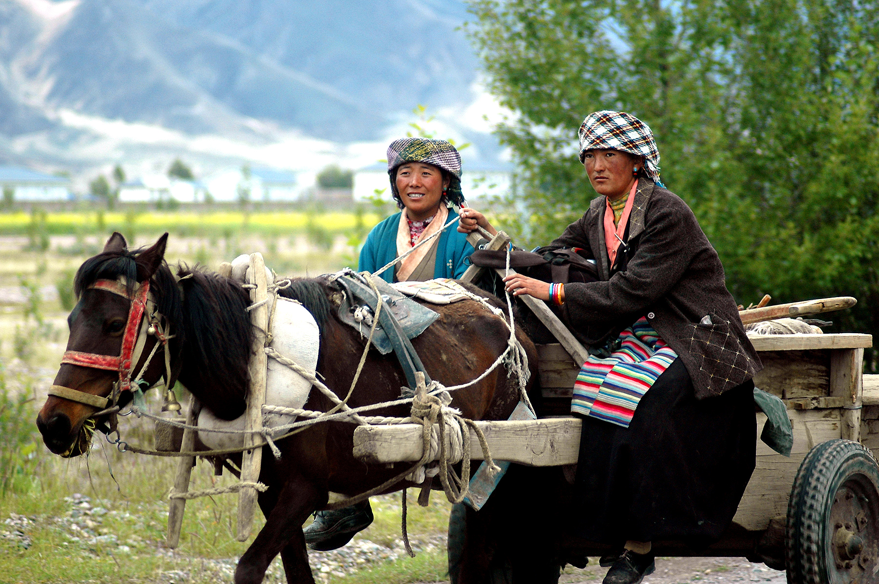 Website - A84 - Tibet - Two Ladies - 1496